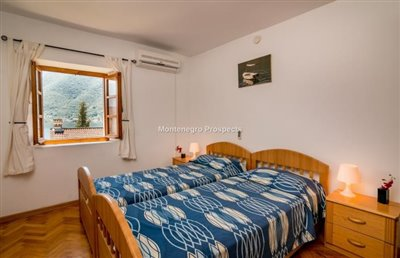 beautiful-villa-in-Perast-8113--4-