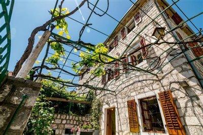 beautiful-villa-in-Perast-8113--32-