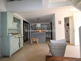 Image No.13-Maison de 2 chambres à vendre à Kotor