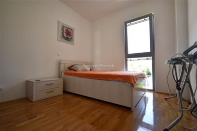 two-bedroom-apartment-in-a-complex-with-a-pool-2106--5-