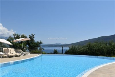 two-bedroom-apartment-in-a-complex-with-a-pool-2106--25-