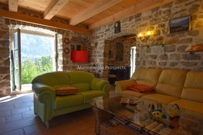 stunning-villa-in-Prcanj-for-sale-3