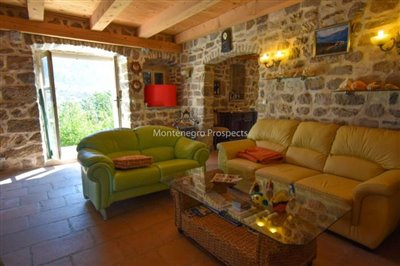 stunning-villa-in-Prcanj-for-sale-4