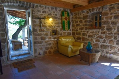 stunning-villa-in-Prcanj-for-sale-5