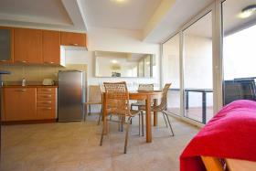 Image No.2-Appartement de 2 chambres à vendre à Prcanj