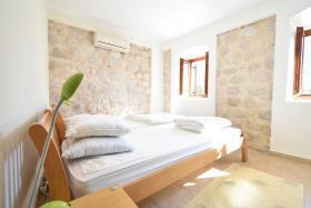 Image No.5-Maison de ville de 2 chambres à vendre à Kotor