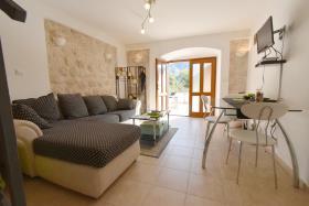 Image No.3-Maison de ville de 2 chambres à vendre à Kotor