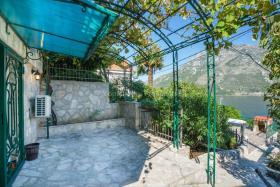 Image No.5-Villa de 4 chambres à vendre à Prcanj