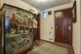 Image No.3-Villa de 4 chambres à vendre à Prcanj