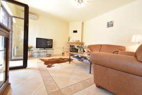 Image No.4-Maison / Villa de 4 chambres à vendre à Prcanj