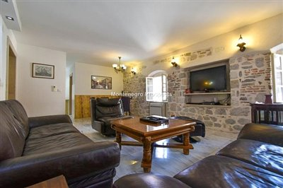 Kotor-old-town-apartment-for-sa--1-of-1--5