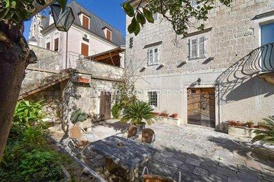 Stone-villa-in-Kotor--1-of-1--23