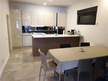 luxury-villa-on-the-waterfront-13045--28-