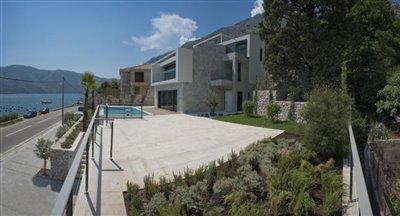 luxury-villa-on-the-waterfront-13045--35-