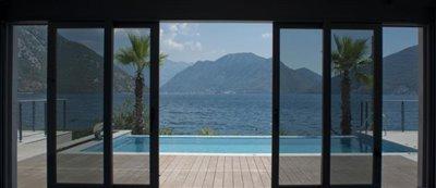 luxury-villa-on-the-waterfront-13045--36-