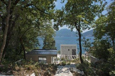 luxury-villa-on-the-waterfront-13045--37-