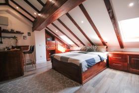 Image No.5-Maison de 4 chambres à vendre à Kotor