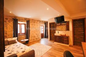 Image No.15-Maison de 4 chambres à vendre à Kotor