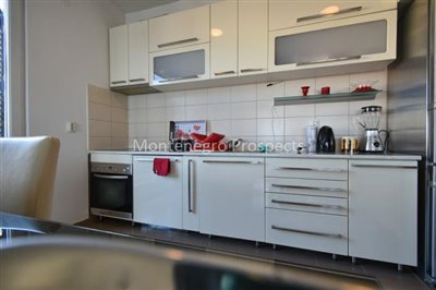 Spacious-apartment-in-Herceg-Novi--1-of-1--8
