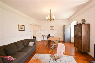 Frontline-apartment-in-Prcanj-for-sale---1-of-1--4