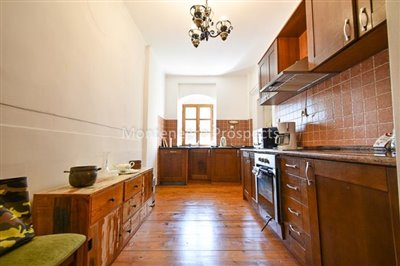 Frontline-apartment-in-Prcanj-for-sale---1-of-1--9