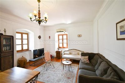Frontline-apartment-in-Prcanj-for-sale---1-of-1--7