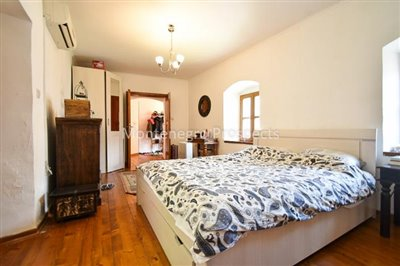 Frontline-apartment-in-Prcanj-for-sale---1-of-1--16