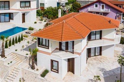 beautiful-villas-for-sale-13073--1-
