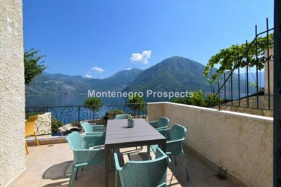 two-bedroom-apartment-with-sea-views-kotor-11036--8-