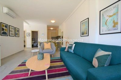 two-bedroom-apartment-with-sea-views-kotor-11036--5-