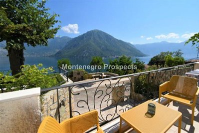 two-bedroom-apartment-with-sea-views-kotor-11036--4-