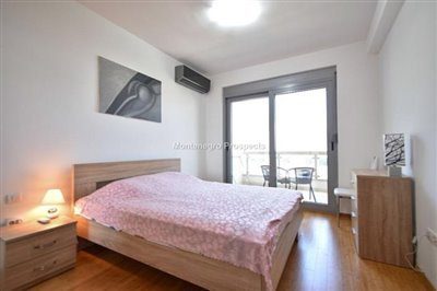 one-bedroom-apartment-with-sea-views-13092--8-