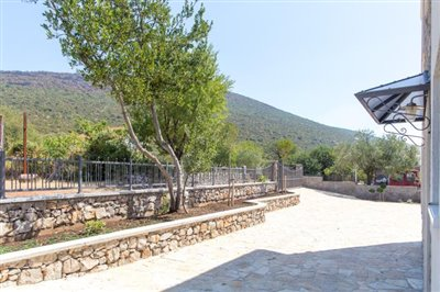 Beautiful-house-for-sale-on-Lustica-peninsula-13097--3-