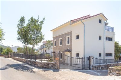 Beautiful-house-for-sale-on-Lustica-peninsula-13097--2-