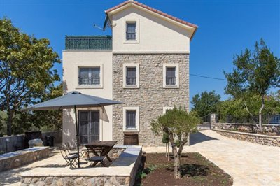 Beautiful-house-for-sale-on-Lustica-peninsula-13097--6-