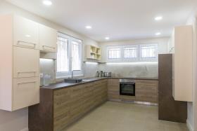 Image No.12-Maison de 4 chambres à vendre à Tivat