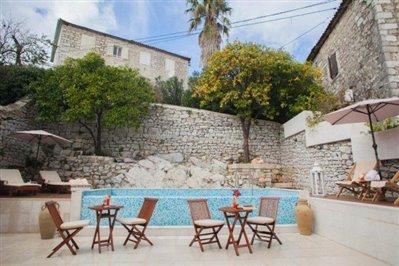 beautiful-hotel-for-sale-in-Kamenari--4-