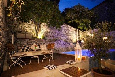 beautiful-hotel-for-sale-in-Kamenari--10-
