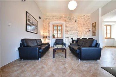 two-bedroom-apartment-in-the-Old-town-of-Kotor-13107--4-_938x625