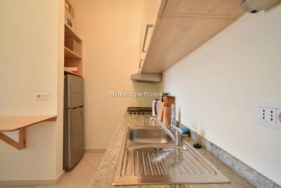 One-bedroom-apartment-with-partial-sea-views-priced-for-quick-sale--Dobrota--13116--10-