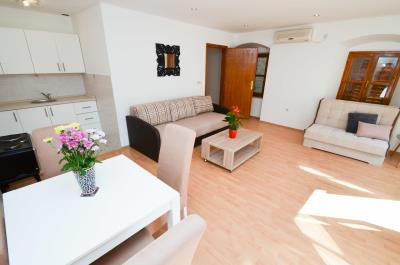 one-bedroom-apartment-at-excellent-location-in-Old-town-of-Kotor--13122--10-