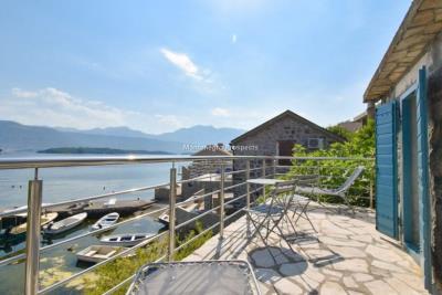 Kakrc-waterfront-semidetached-house-13082--12-