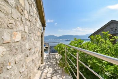 Kakrc-waterfront-semidetached-house-13082--14-