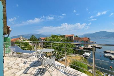 Kakrc-waterfront-semidetached-house-13082--16-