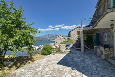 Kakrc-waterfront-semidetached-house-13082--53-