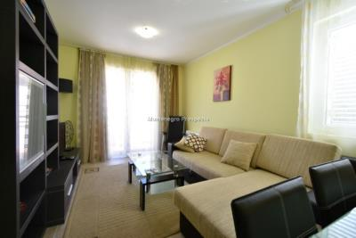 Two-bedroom-apartment-in-a-complex-with-shared-pool--13129--2-