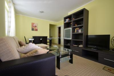 Two-bedroom-apartment-in-a-complex-with-shared-pool--13129--12-
