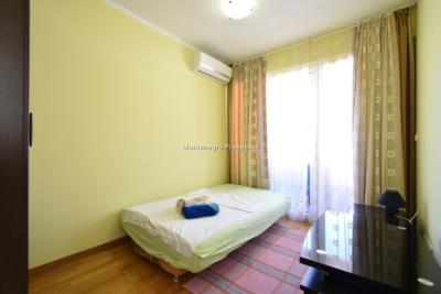 Two-bedroom-apartment-in-a-complex-with-shared-pool--13129--19-