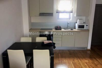 one-bedroom-apartmetn-with-a-pool-12089--5-
