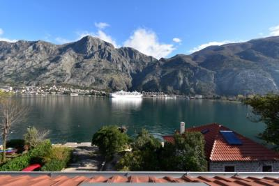 Bright-top-floor-apartments-for-sale-on-first-line-of-sea--Muo--Kotor--13150--3-